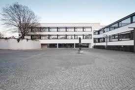 St. Nikolaus zu Besuch am Maristengymnasium ****Saint-Nicolas visite le Maristengymnasium****Saint Nicholas visits Maristengymnasium