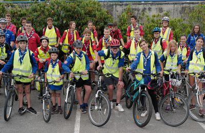Départ des scouts à vélo