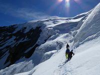Alpinisme : Traversée du Weissmies 4023 m - arête Sud Est - face Nord Ouest