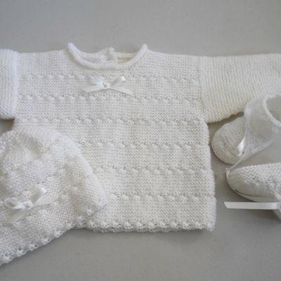 Tricot bébé, trousseau bb fille blanc rayé astra, layette fait main laine bb