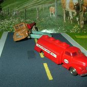 BEDFORD TANKER ESSO 1955 LEGO 1/87 - car-collector.net