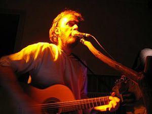 motis, un groupe de rock progressif français fondé en 2000 dans le haut-jura par l'auteur-compositeur multi-instrumentiste emmanuel tissot