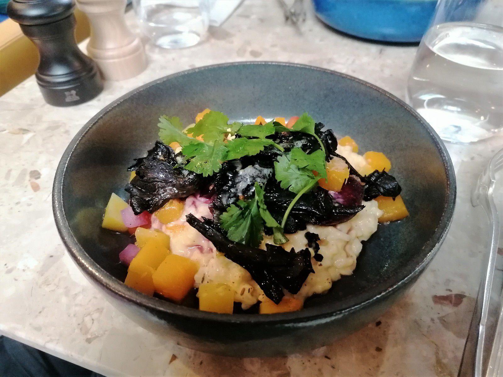 Risotto de courge, poêlée de trompettes et légumes confits aux agrumes