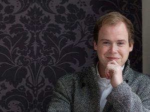 maarten engeltjes, un jeune contre ténor néerlandais qui commenca comme soprano enfant à 4 ans
