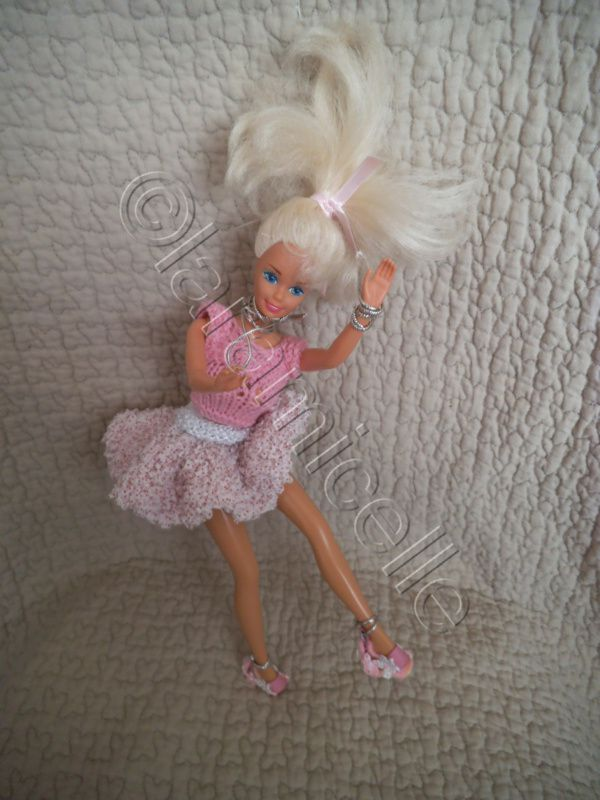 tutos gratuits barbie : barbie en mini jupe