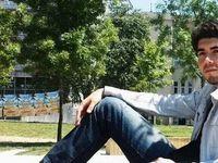 Dicle Deli était une lycéenne de 17 ans, originaire d'Istanbul. Güney Doğan, lui aussi stambouliote, était étudiant en génie du bâtiment; il était alévi. Il a été inhumé à la cemevi de Sarıgazi/Taşdelen, un quartier qui a accueilli des milliers de familles d'expulsés du sud-est dans les années 1990... Enfin Binali Korkmaz était retraité de l'İSKİ (Direction des eaux et canalisations d'Istanbul) et militant du HDP ; il était père de deux enfants dont Rojda, chef d'agence à DIHA (Agence de presse Dicle); également alévi, il a été inhumé à la cemevi de Küçükçekmece (Istanbul).