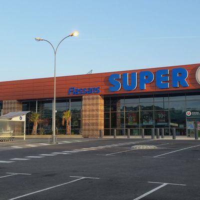 PUYVERT: L'employée de Super U aurait détourné 31 ooo euros.