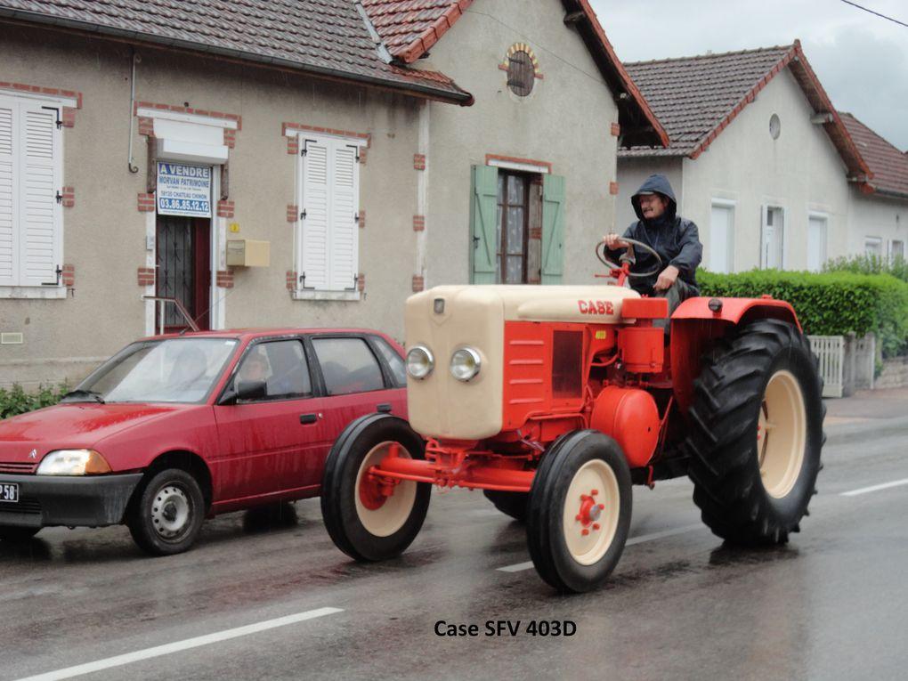 Notre randonnée du 3 juin 2012. Départ d'Etang/Arroux sous la pluie,puis arrêt à La Chapelle, La Tagnière, Dettey(Déjeuner), Uchon,Mesvres,Etang.