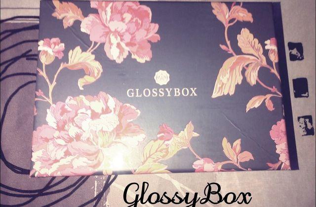 ❀ GlossyBox : J'ai testé pour vous. ❀
