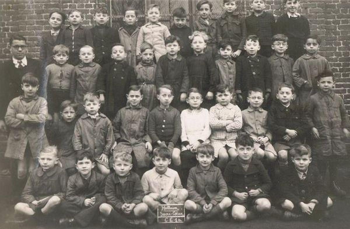 Une classe de CE1 de l'Ecole de la Rouge Porte... Année scolaire 1945-1946... avec Bernard Lossy.
