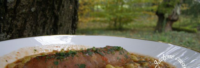 Saucisses de Toulouse cuisinées avec une compotée de tomates et flageolets Picard. Rapide Facile Economique