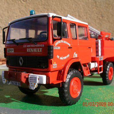 Le camion-citerne feux de forêt lourd (ccf lourd) Sairep sur Renault VI 110.150 de Hauterives (Drôme).