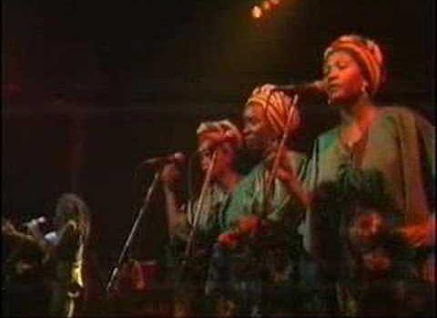 Bob Marley chante pour Christophe Dettinger
