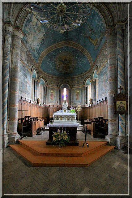 Diaporama église fortifiée de Saint Denis de Pile