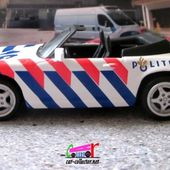 FASCICULE N°24 PORSCHE 911 CARRERA 4 POLITIE NEEDERLAND POLICE PAYS-BAS 1/43 UNIVERSAL HOBBIES - car-collector.net