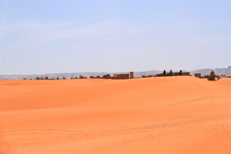 Merzouga dans le Sud. Très belles dunes.