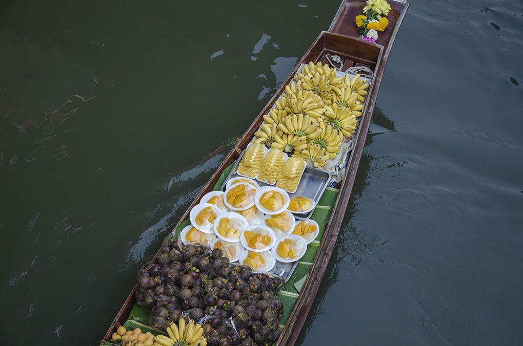 Le marché flottant de Damnoen Saduak (via Shutterstock)
