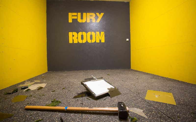 Want to break everything? test the FURY ROOM ®
