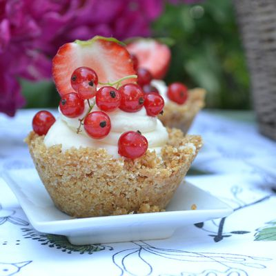 Mini Cheesecake aux fraises et aux groseilles