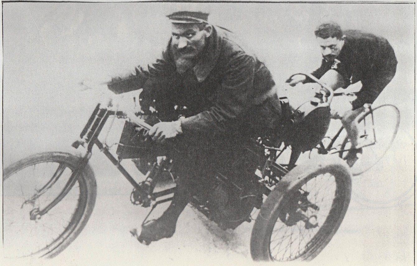 PROCUREZ-VOUS  LE LIVRE AUX TEMPS PIONNIERS DU CYCLISME ENTRAINE - EDITIONS ARENBERG