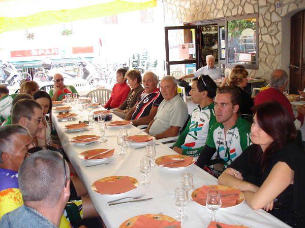 sortie du 18/09/2008,17 personnes Obélix Goupil Cigogne Cigogneau Pattes rouge Le bourgeois Nestlé Féfé picsou Gilou fiat en vélo