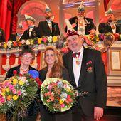 Höchste Ehrung des Bundes Deutscher Karneval: BDK-Verdienstorden in Gold mit Brillanten für über 50 Jahre aktive Fastnacht für die Veitshöchheimerin Helga Wenger - Veitshöchheim News