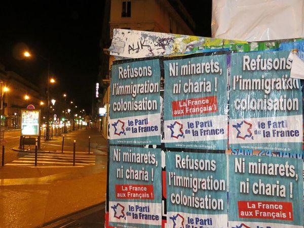 La police de Manuel Valls arrête des colleurs d'affiches du Parti de la France à Paris