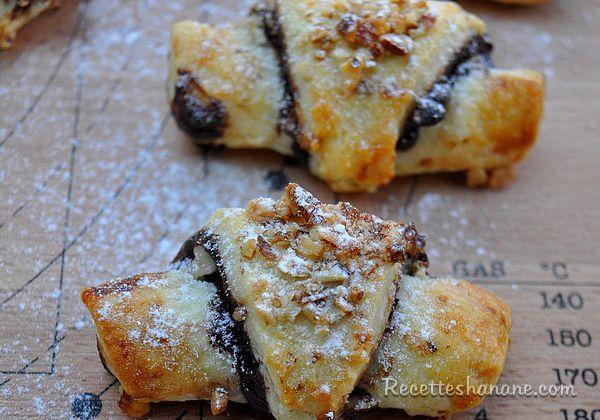 Rugelachs au chocolat et aux fruits secs - Mini croissants