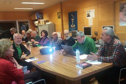 """Reportaje de la conferencia sobre el reino nazarí y presentación de """"La sangre sobre las azucenas"""", de Manuel Fernando Estévez Goytre, en Tres Cantos (Madrid)"""
