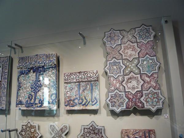 Musée de cluny, exposition temporaire de 'La céramique médiévale dans l'Occident chrétien'.