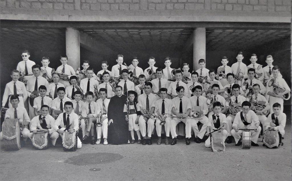 Souvenirs de 1960 : la fanfare de Campostal à Rostrenen