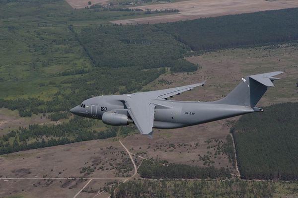 Photo : (c) Antonov - L'unique An-178 lors d'un vol d'essais.