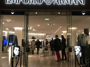 Boutique Emporio Armani Paris Georges V
