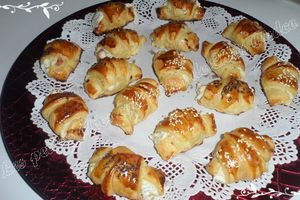 Mini croissants jambon et boursin
