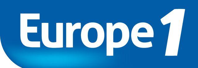 Christophe Hondelatte raconte cette semaine les combats de Robert Badinter sur Europe 1