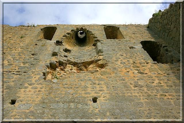 Diaporama donjon de BROUE - Saint Sornin
