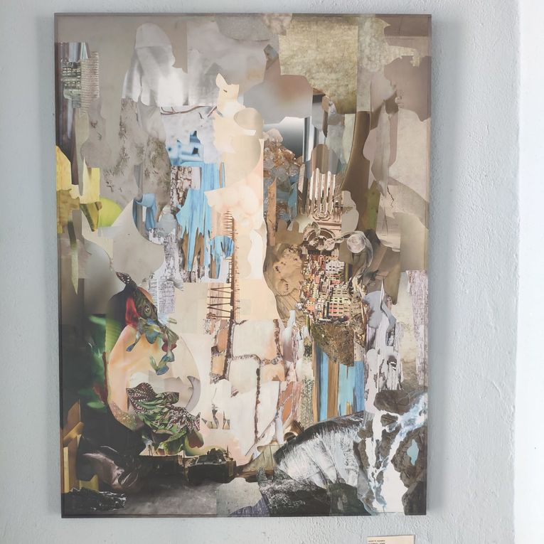 Le vestibule et ses évolutions avec Franck Walkhoff (Allemagne), Nahed Turkestany (Arabie-Saoudite), Neuvile (France), AK douglas (Inde), Mona Sunbol (Arabie-Saoudite), Hessa Kalla (Arabie-Saoudite), Cyan (France), Anne-Michelle Vrillet AK Mina (France), Florence Normier (France), Khadija Elfahli (Maroc), Juliette Agabra (France)