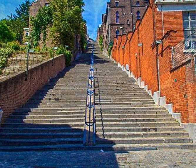 Magnifique mes dur dur les escaliers ( tout les 2 ans)