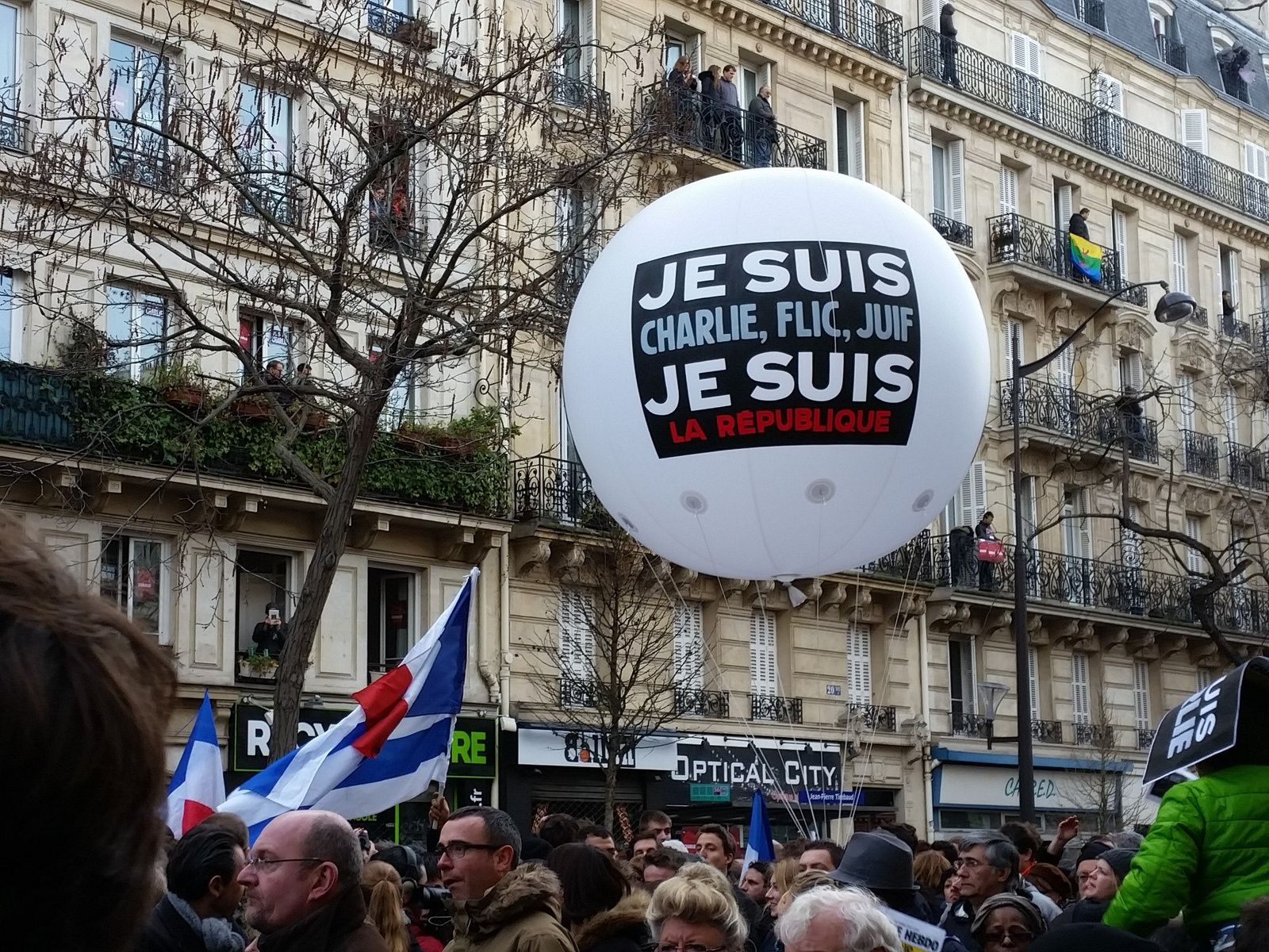 NOUS SOMMES CHARLIE :  LA MARCHE RÉPUBLICAINE   LA FRANCE EST CHARLIE !