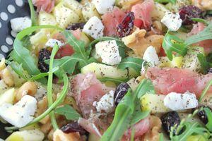 Salade sucrée-salée Pommes, Chèvre, Noix & Jambon cru