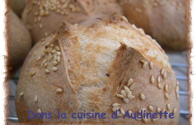 Petits pains aux graines et aux herbes