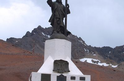 Argentine : Mendoza, la route vers le Chili (ruta7), le Christ Rédempteur Des Andes, Col De La Cumbre.