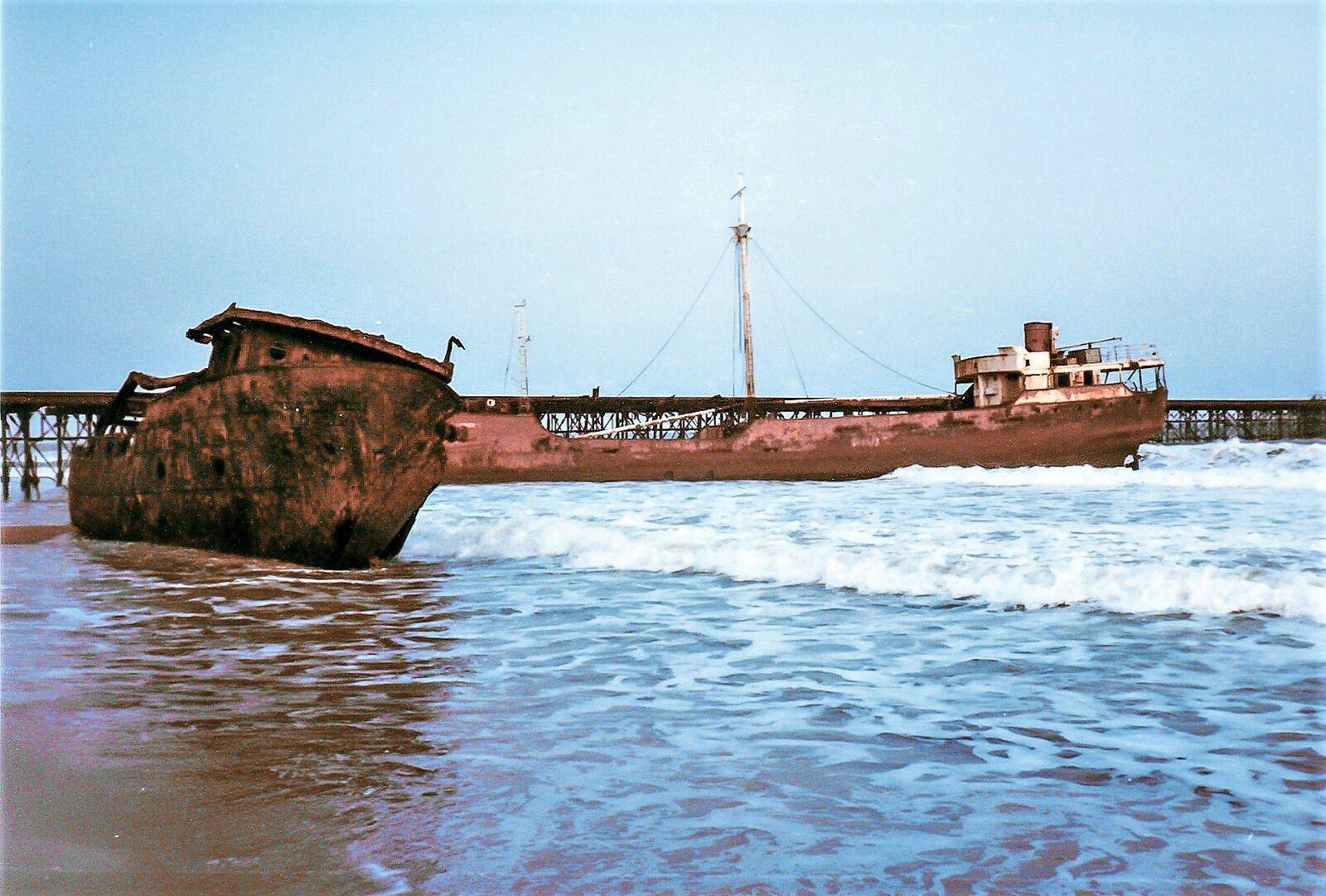 Bateaux échoués - Cotonou - 1982