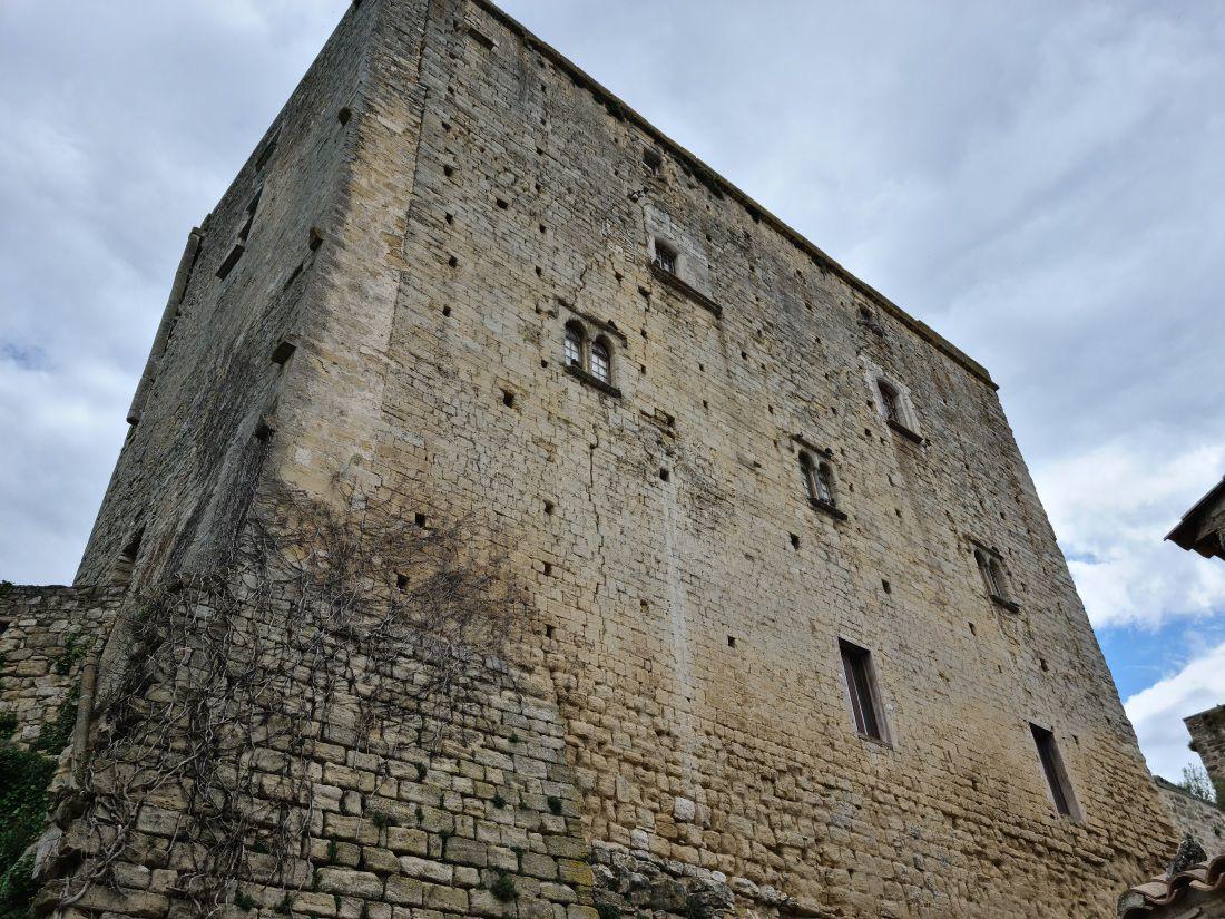 Ancienne cité médiévale perchée