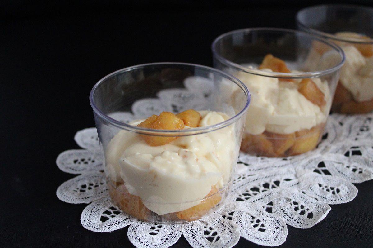 Verrine de crème namélaka vanille tonka et pommes caramélisées