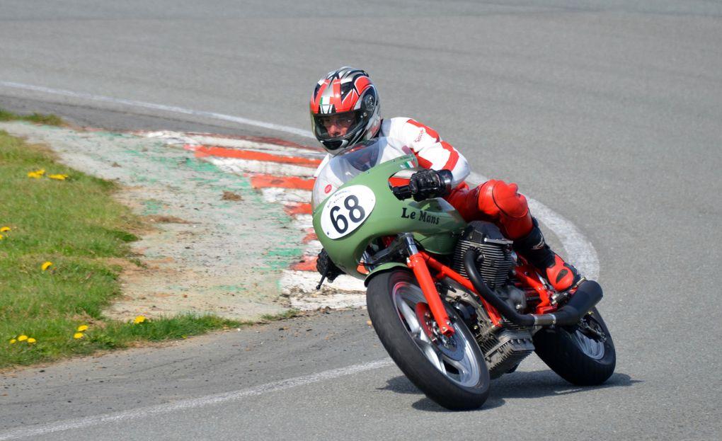 JD-DUCATI-CROIX-en-Ternois-2011