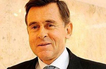 Carrefour: les syndicats en partie rassurés par leur rencontre avec le nouveau PDG