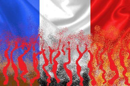 Drapée de sang, le pays qui m'a vu naître souille ses couleurs.