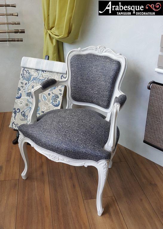 refection fauteuil cabriolet avec peinture tissu faux uni arabesque tapissier thiers