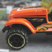 JEEP CJ-7 ROLL PATROL TRAILBUSTER HOT WHEELS 1/64 - CJ7 - car-collector.net